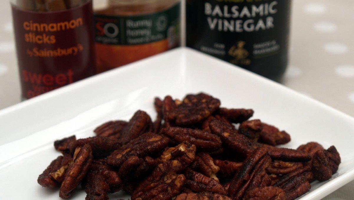 Balsamic-pecans